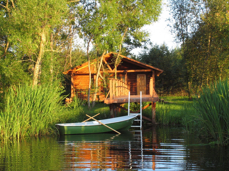 домики у воды рыбалка