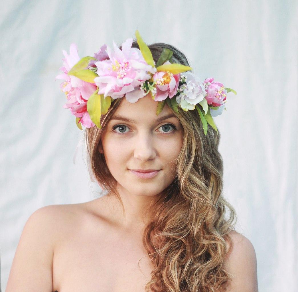 Фото венки из цветов на голову 199